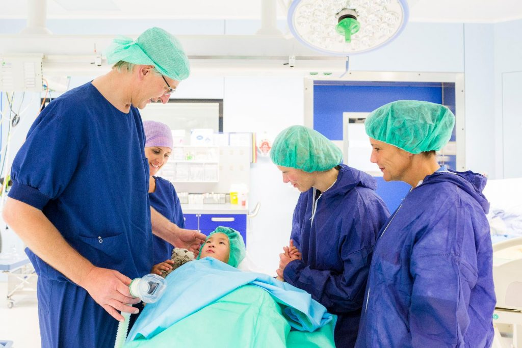 Joep wordt dalijk geopereert